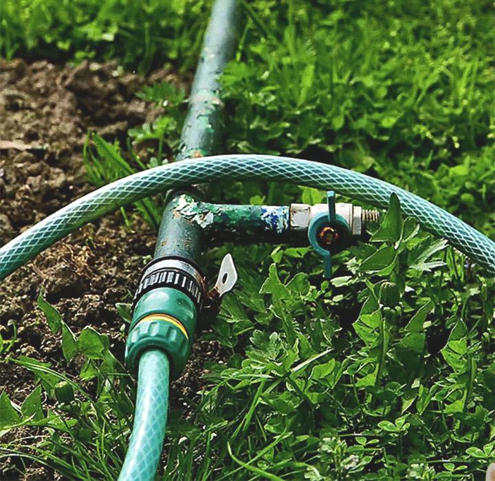 Пластиковые трубы для полива своими руками
